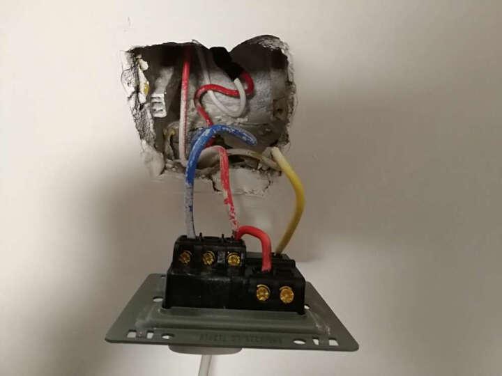 德力西86型开关插座面板 拉丝金色错位五孔插座 家用一开五孔10A电源插座 一开二三插5孔组合套装 二位音响 晒单图