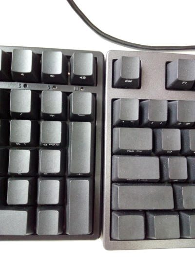 AKKO Ducky One 樱桃轴机械键盘 108键原厂cherry轴 PBT键帽 静音红/静音黑混轴 吃鸡键盘 游戏键盘 晒单图