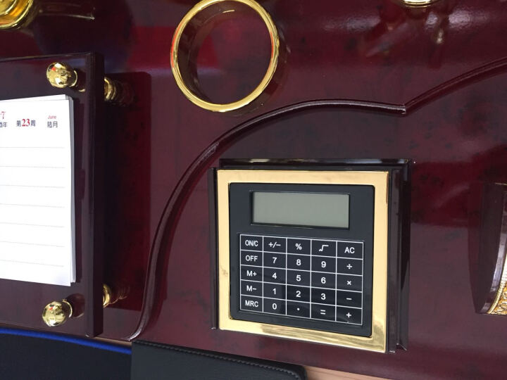 高办公桌摆件装饰品老板办公室桌面创意文台笔筒 稳操红旗款24x40cm 晒单图