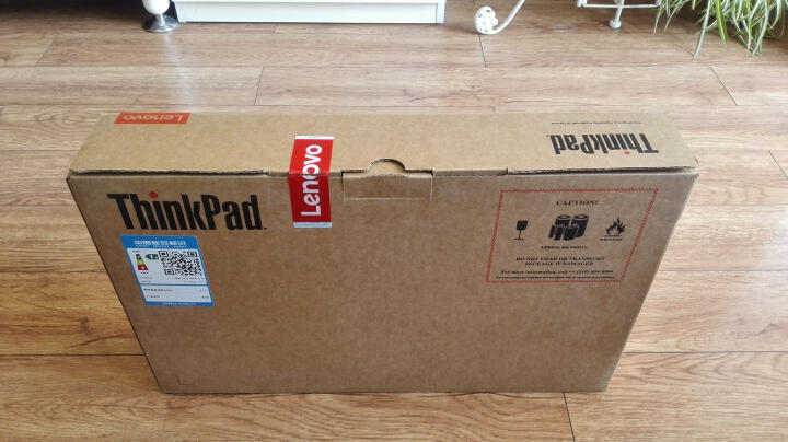 联想ThinkPad E470c(01CD)14英寸笔记本电脑(i5-6200U 8G 256G SSD 2G独显 Win10)黑色 晒单图