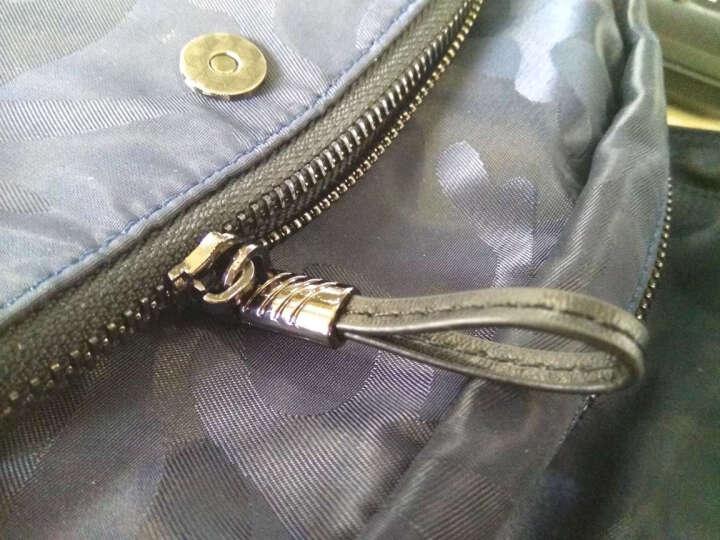 智纳(ZZINNA)男包单肩包休闲斜跨包潮流帆布小背包竖款防水牛津布包 迷彩深蓝(大号) 晒单图