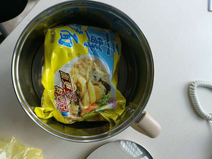 小熊(Bear) 小火锅电热锅1.2L多功能电热杯学生宿舍电煮锅煮面电火锅 DRG-C1021蒸架钢碗 晒单图