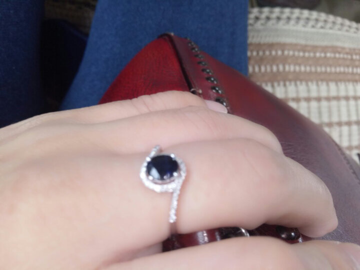 多米丽1.2克拉皇家蓝宝石戒指女款白18K金镶嵌蓝宝石钻石戴妃款戒指送情人礼物 0.7克拉5*6mm定制戒指 晒单图