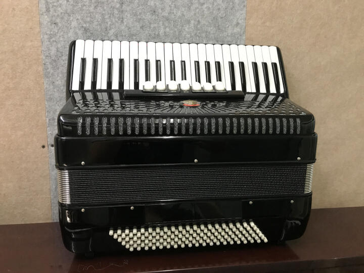 李斯特(LISZT) 德国120贝司斯手风琴精彩系列三排簧键盘成人初学演奏用进口簧片 李斯特(2018)蓝色+配件大礼包 晒单图