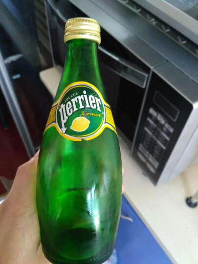 【中粮我买网】Perrier巴黎水 含气天然矿泉水 柠檬味330ml(法国进口 瓶) 晒单图