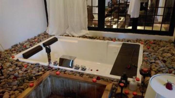 尚雷仕(SUNRANS)双人浴缸 成人家用情侣冲浪按摩浴缸恒温加热亚克力浴缸 嵌入式浴盆 豪华SPA带裙边+冲浪按摩+恒温+气泡 1850*1200*600 晒单图