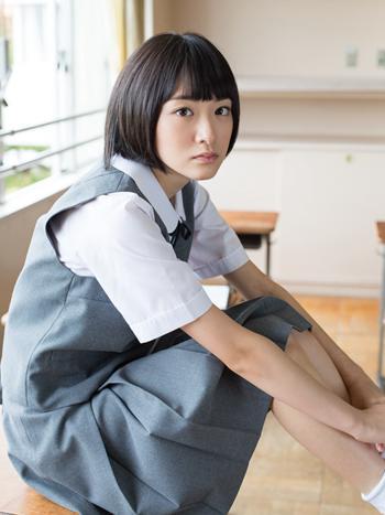 乃木坂46生駒里奈ファースト写真集『君の足跡』