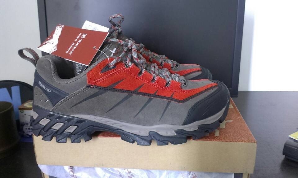 sport shoes price strategy 002107119 outlet