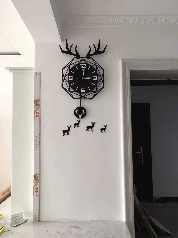 美世达北欧鹿头钟表挂钟客厅创意个性网红时尚静音石英钟表挂墙卧室装饰墙现代简约时钟大号:40*60cm配小鹿墙贴
