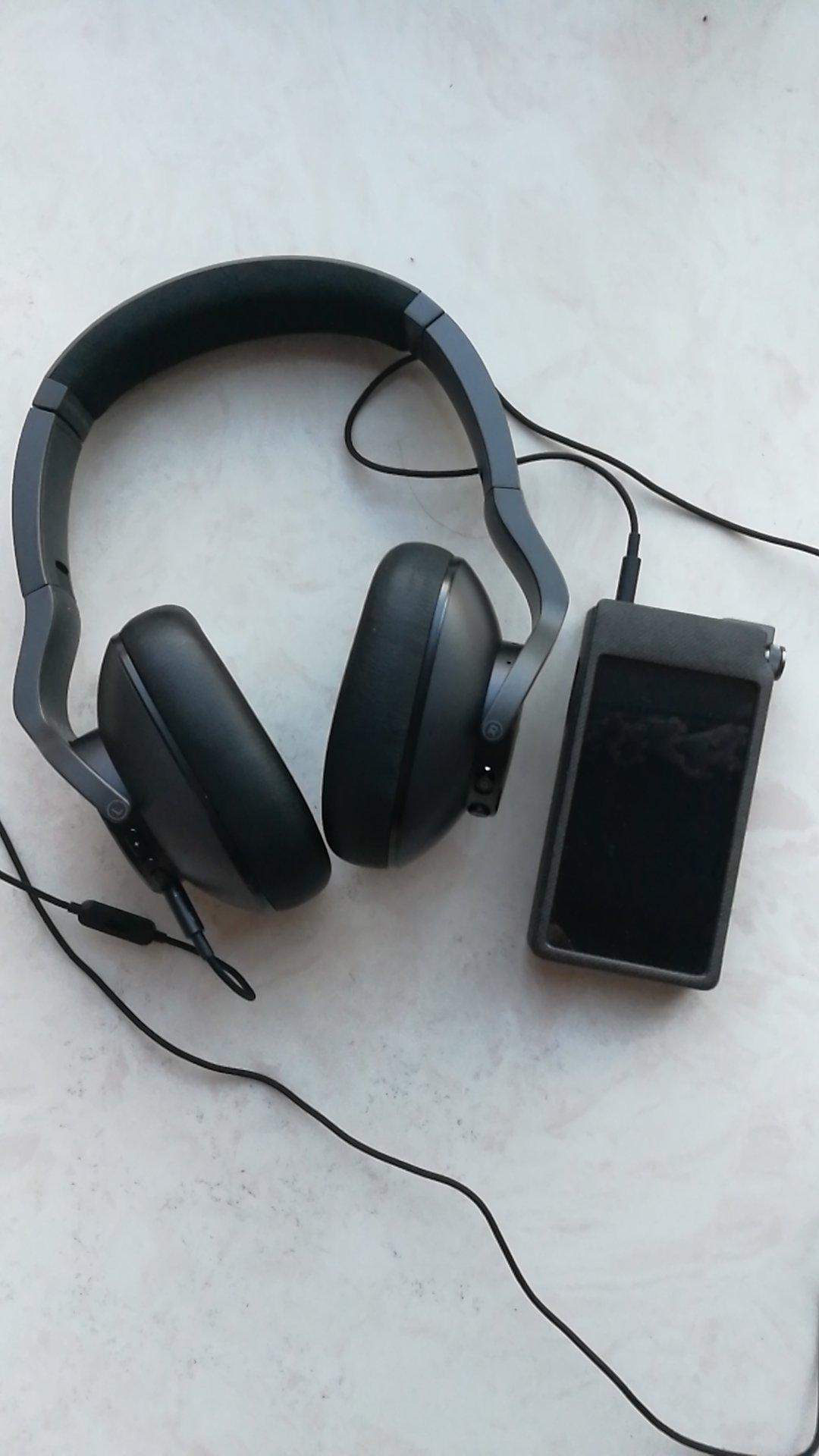 AKG主动降噪无线蓝牙耳机,还有非常优秀音质