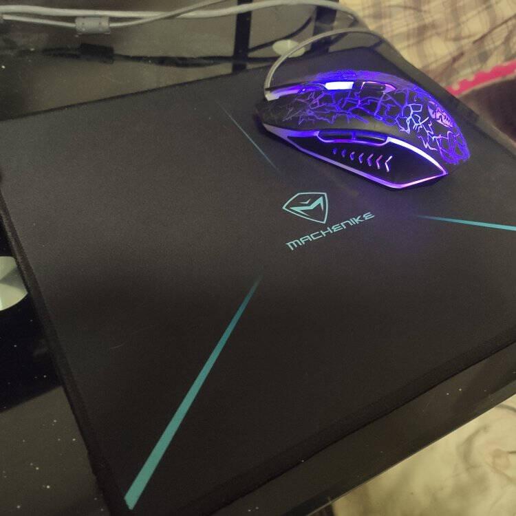 机械师(MACHENIKE)GP-M303-射线顺滑版中号黑色空间电竞游戏鼠标垫300*250*3mm锁边加厚电脑桌垫