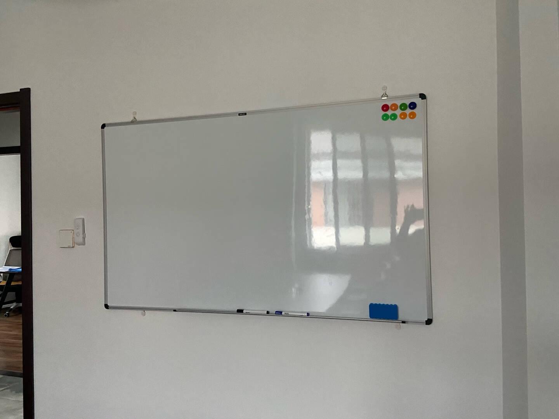 得力(deli)45*30cm实心纤维板芯白板易擦磁性办公教学会议挂式白板悬挂式家用儿童写字板小白板黑板7851