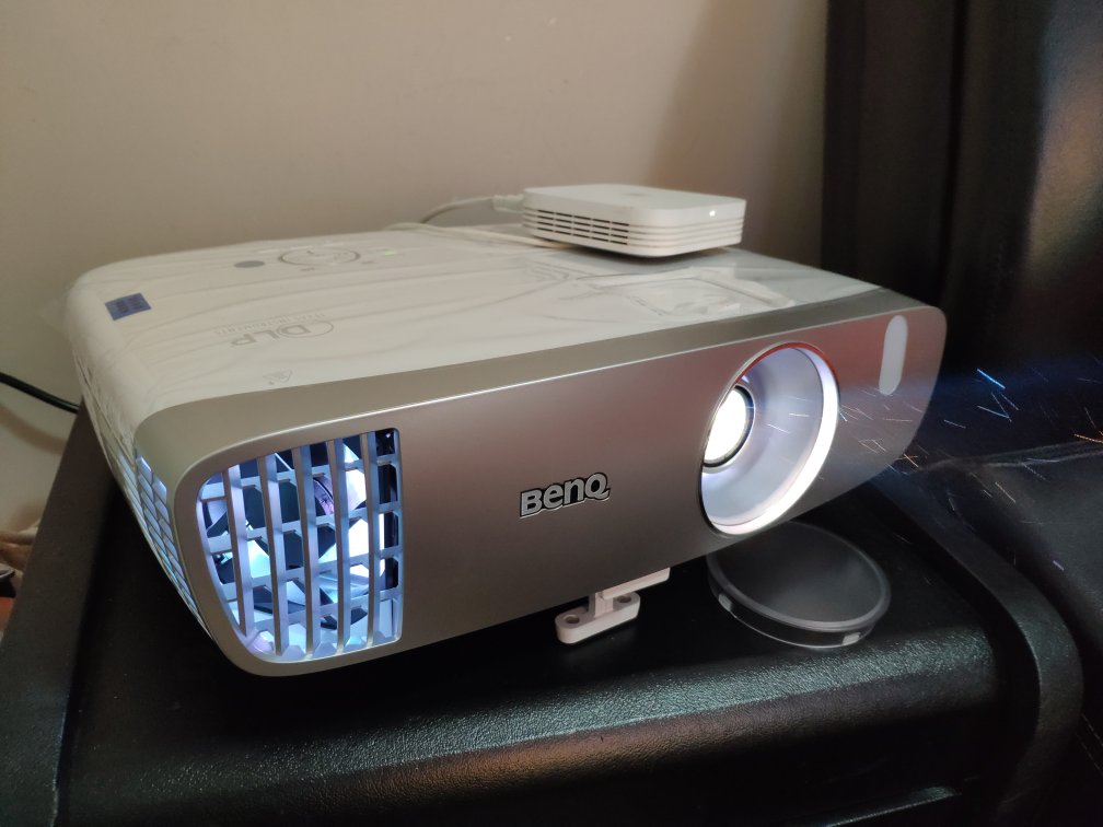 明基高分辨率高流明投影仪,支持蓝光3D看电影 券后4979元
