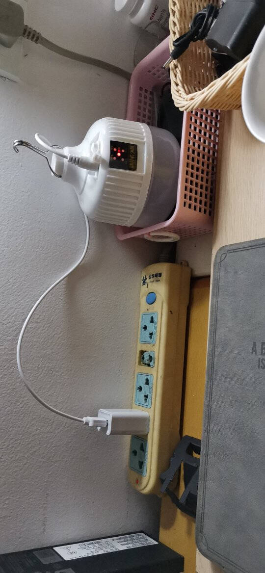 福蛋充电灯应急灯泡户外照明LED大功率露营灯野营灯充电灯泡夜市地摊灯应急灯USB充电灯泡停电照明灯90W白光带电量显示(7-20小时)