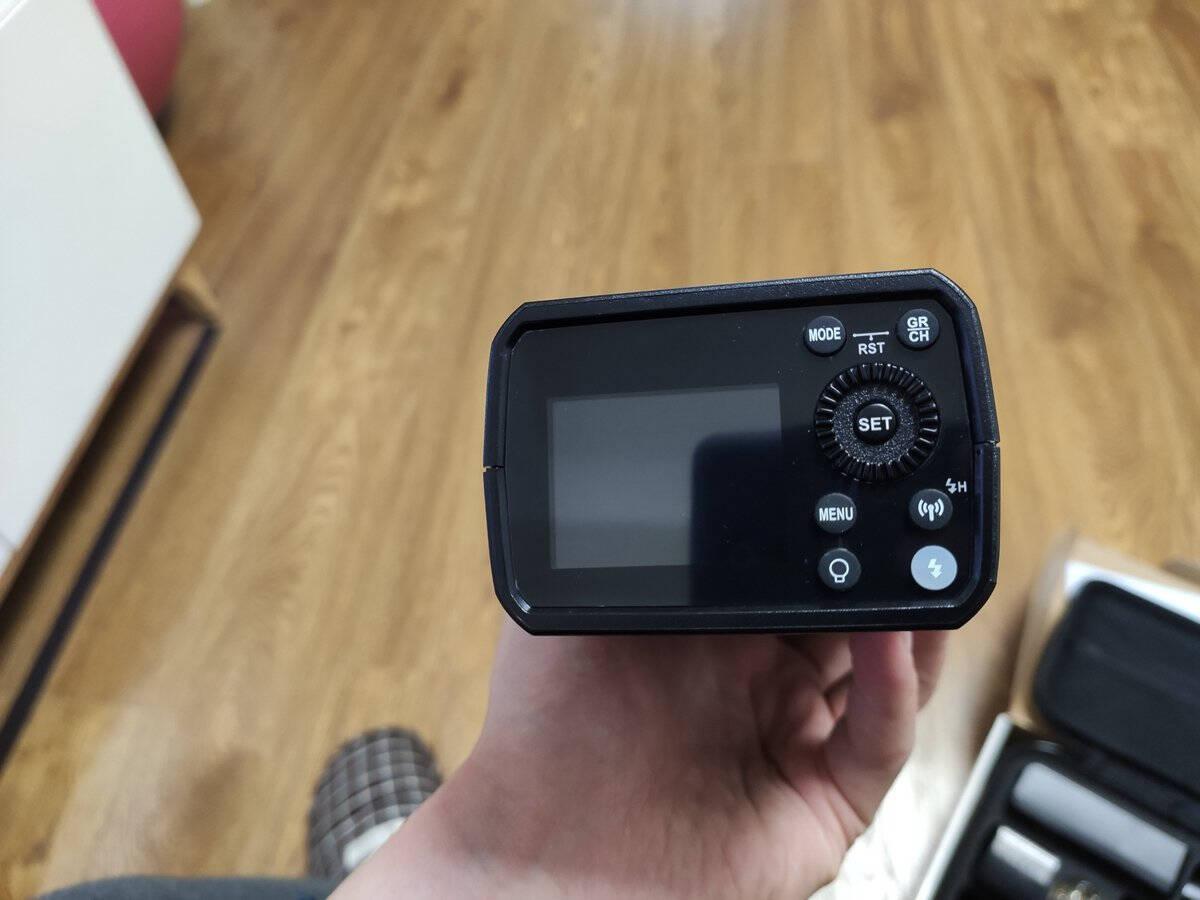 神牛(Godox)AD200pro外拍闪光灯锂电池便携口袋摄影闪光灯单反相机高速TTL外拍闪光灯