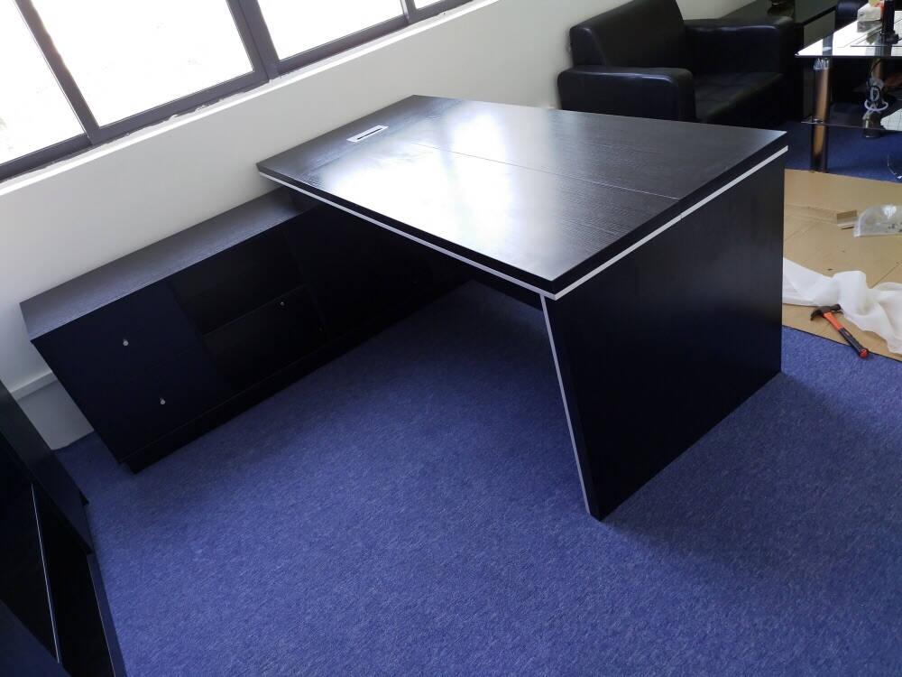 梵烟老板桌简约现代总裁大班台办公桌子桌椅组合加长经理办公室家具北美橡木色颜色定制(色卡一块)