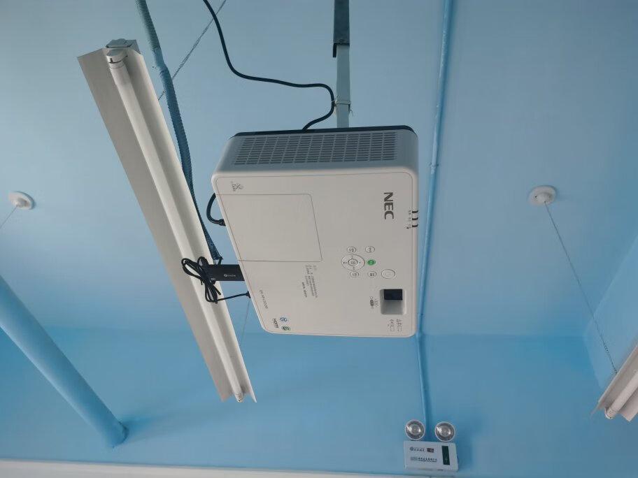 NEC兼容4K投影仪,3500流明白天直投