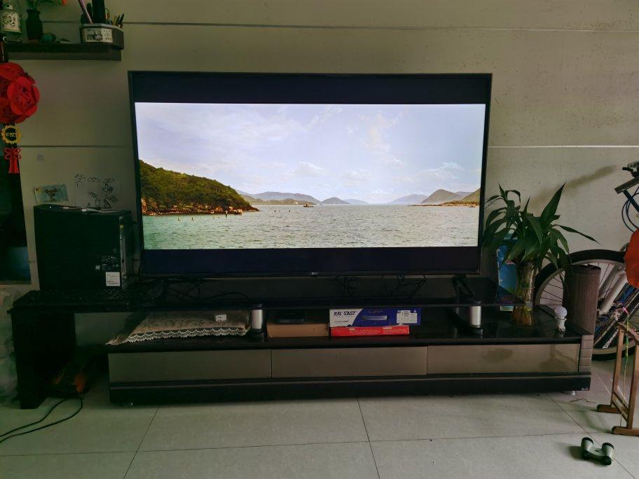 LG的65英寸高清电视,还原影院真是色彩