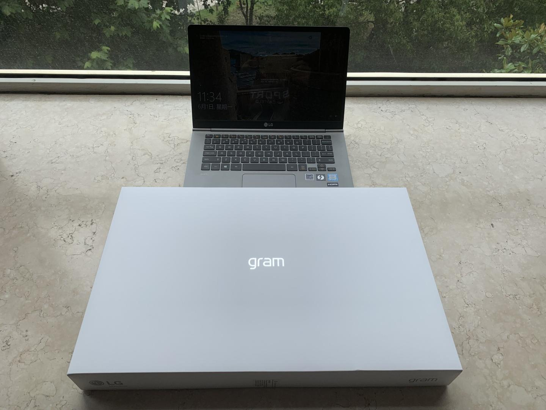LG大屏幕轻薄设计师本,17英寸高性能电脑推荐