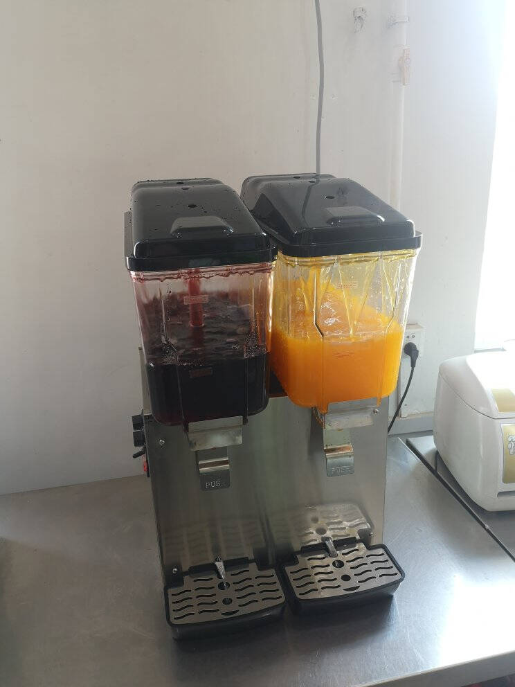 德玛仕(DEMASHI)饮料机商用双缸果汁机冷热双温速溶饮料机多功能自助奶茶咖啡机热饮冷饮机双缸冷热喷淋款GZJ234
