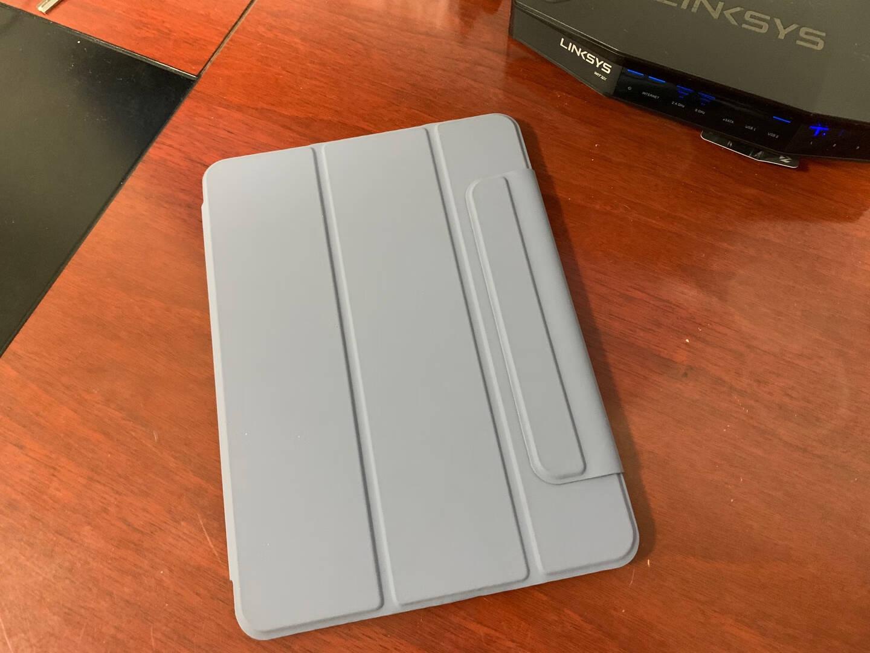 京东京造iPadPro11保护套2020新款智能磁吸双面夹轻薄11英寸2代平板电脑休眠皮套深邃黑