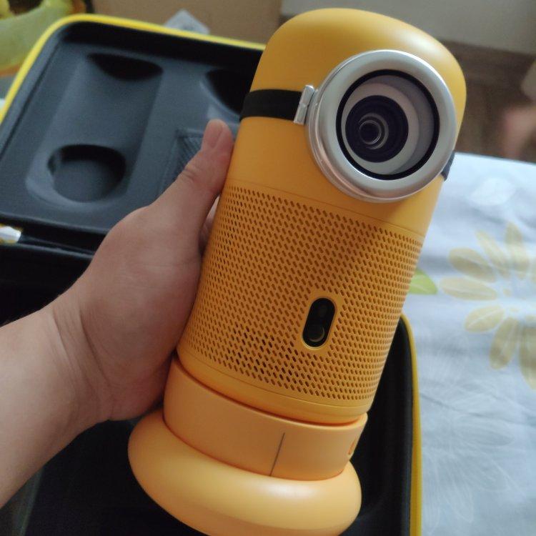 大眼橙小黄人投影仪,送女朋友可爱又实用礼物