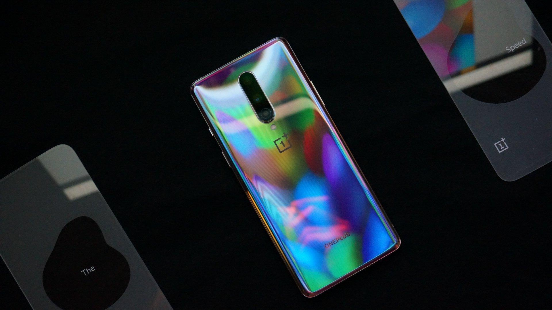 一加8轻薄智能手机,90Hz高清柔性屏