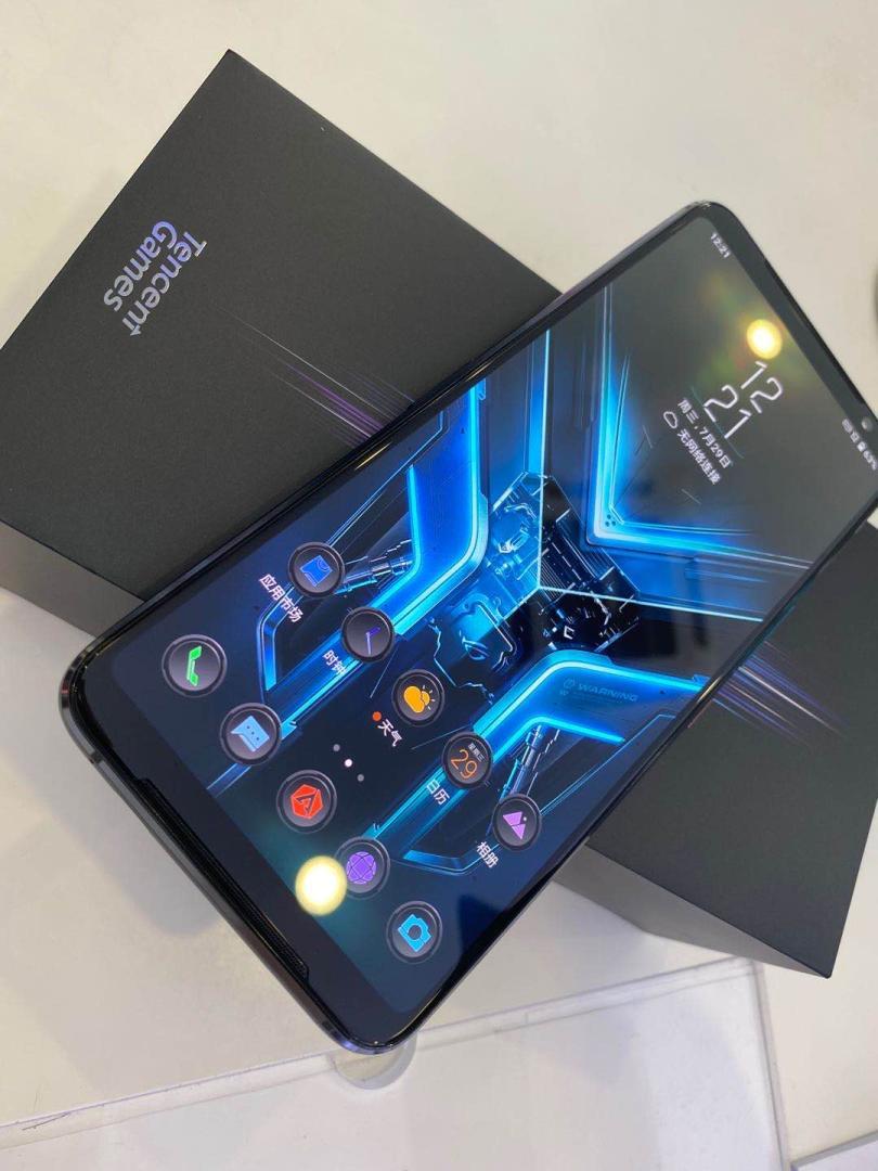 ROG游戏手机3精英版,让手机游戏用起来更顺手
