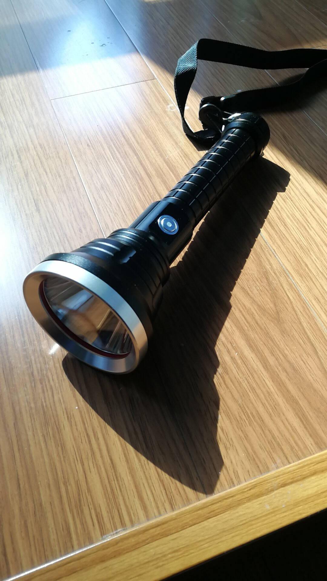 P70强光手电筒远射超亮LED户外照明保安巡逻防水白光大功率探照灯A1168P70四核灯芯+26650锂电2节