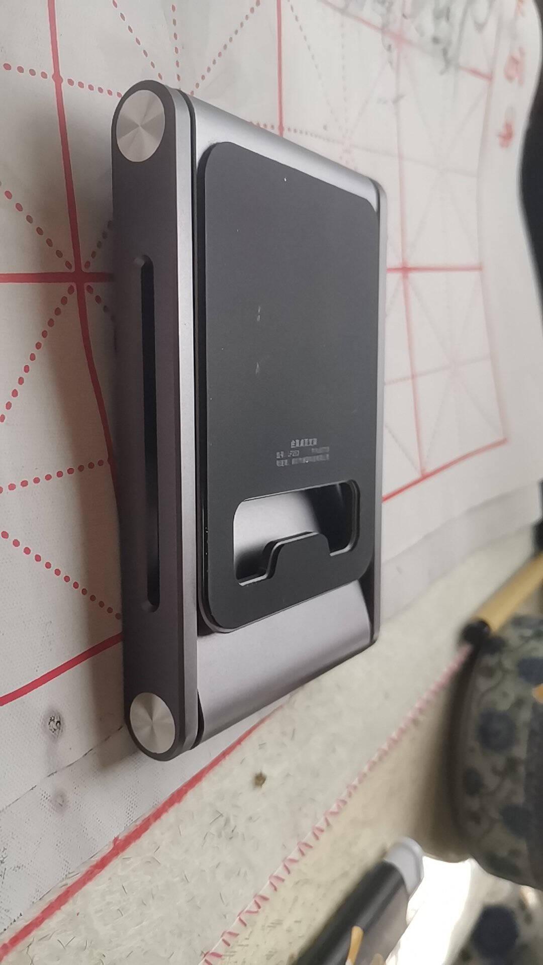绿联手机支架桌面ipad平板懒人支架铝合金折叠便携床头支撑架网课直播手机座通用华为手机架子深空灰80708