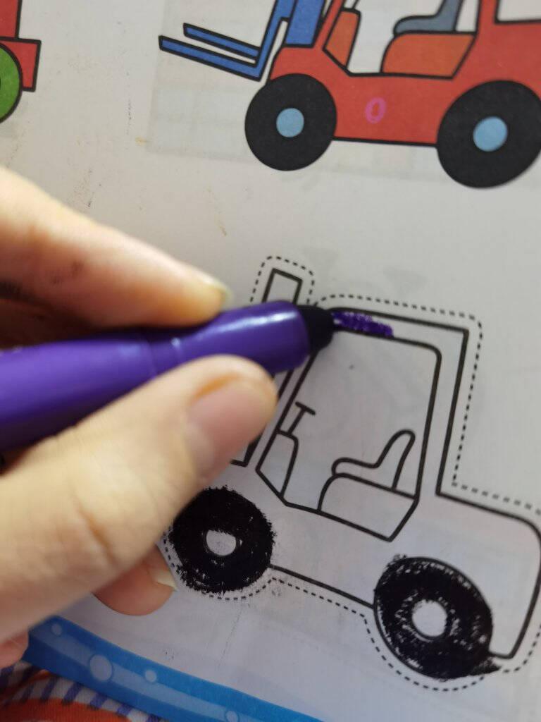 得力(deli)24色水溶性油画棒不易摔断丝滑蜡笔炫彩棒美术工具转转笔彩笔儿童画画绘画玩具礼物筒装72056