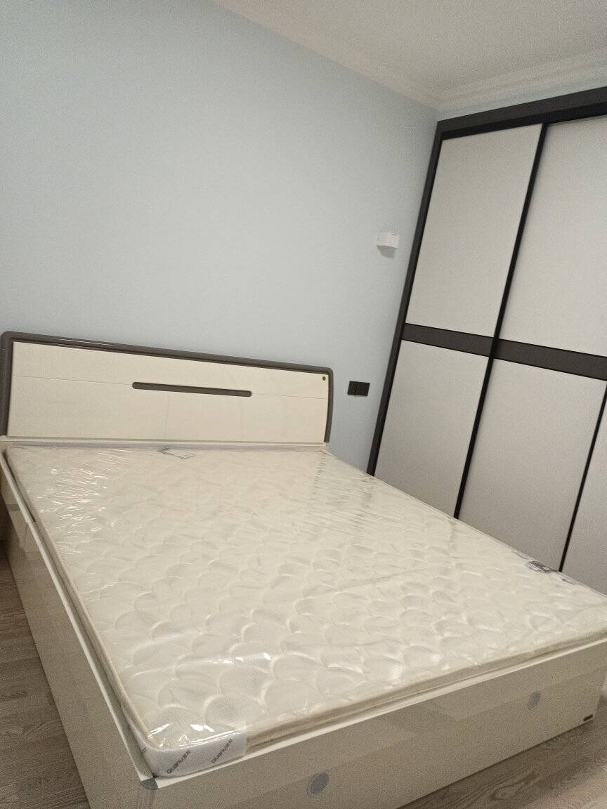 全友卧室家具组合套装全友家居现代简约卧室高箱床环保1.8米双人床床头柜套装122701高箱床+左床头柜+床垫1800*2000