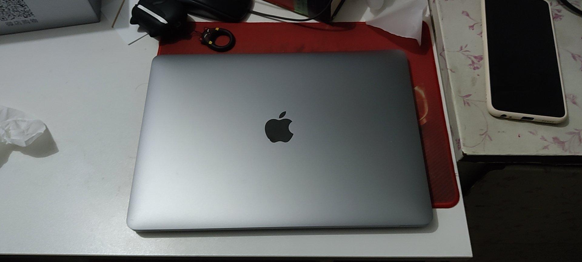MacBook Pro笔记本电脑,M1芯片能安静办公了