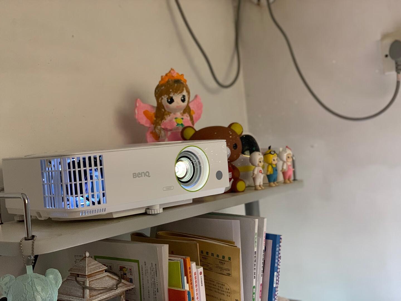 明基E582智能投影仪,高清晰无线投影机