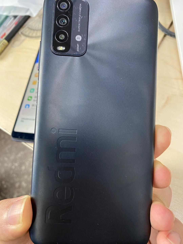 红米note9智能手机,6000毫安电量满足长时间通话