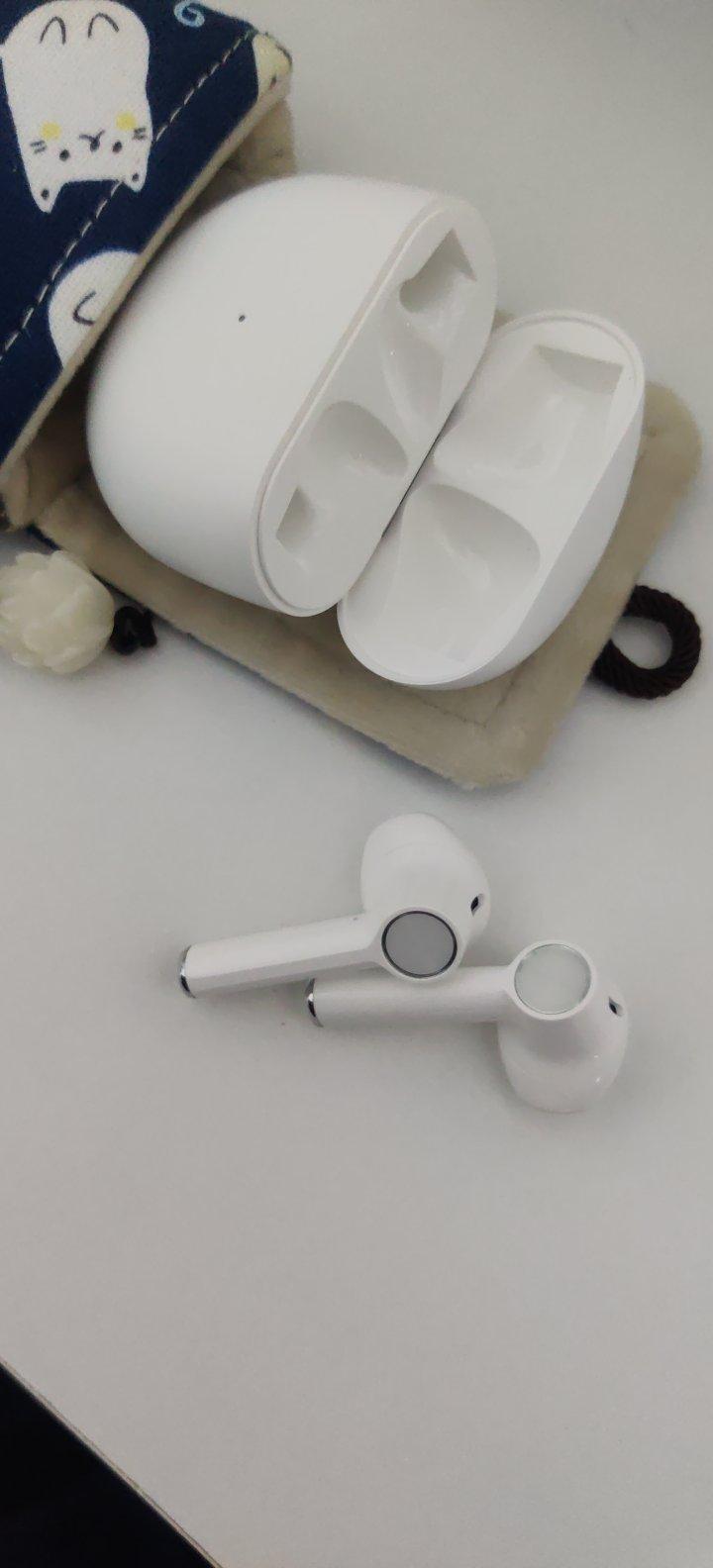 一加手机无线蓝牙耳机,带来30小时的续航时间