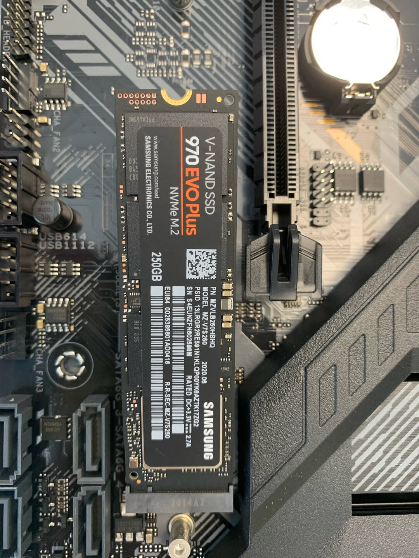 三星(SAMSUNG)250GBSSD固态硬盘M.2接口(NVMe协议)970EVOPlus(MZ-V7S250B)