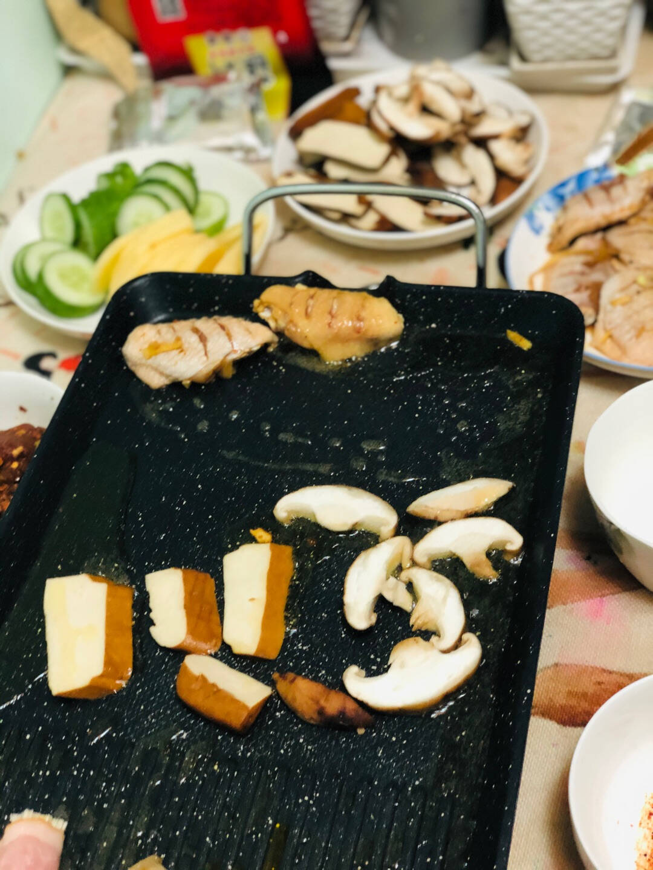 康佳(KONKA)电烧烤炉不粘电烤盘家用无烟电烤炉烤肉锅KEG-W160A