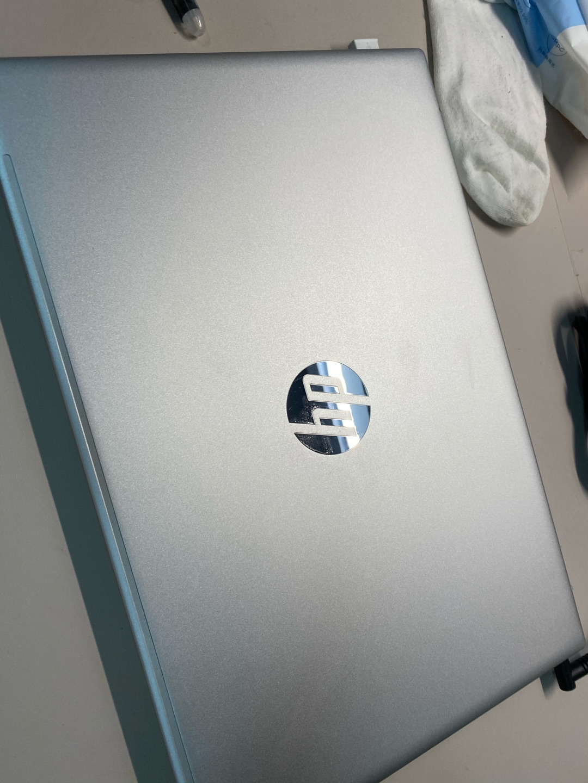 惠普11代酷睿高色域轻薄本,时尚全面屏款