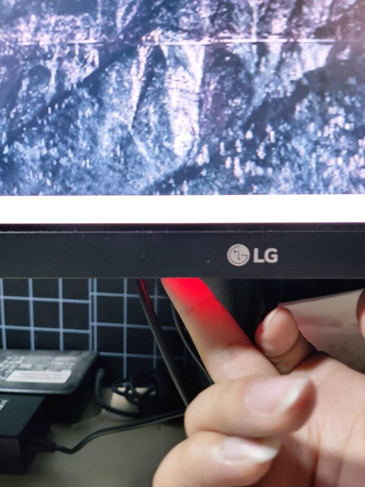 LG27英寸NanoIPS2K144Hz10.7亿色HDR1msG-Sync兼容旋转升降小金刚办公游戏电竞显示器27GL850