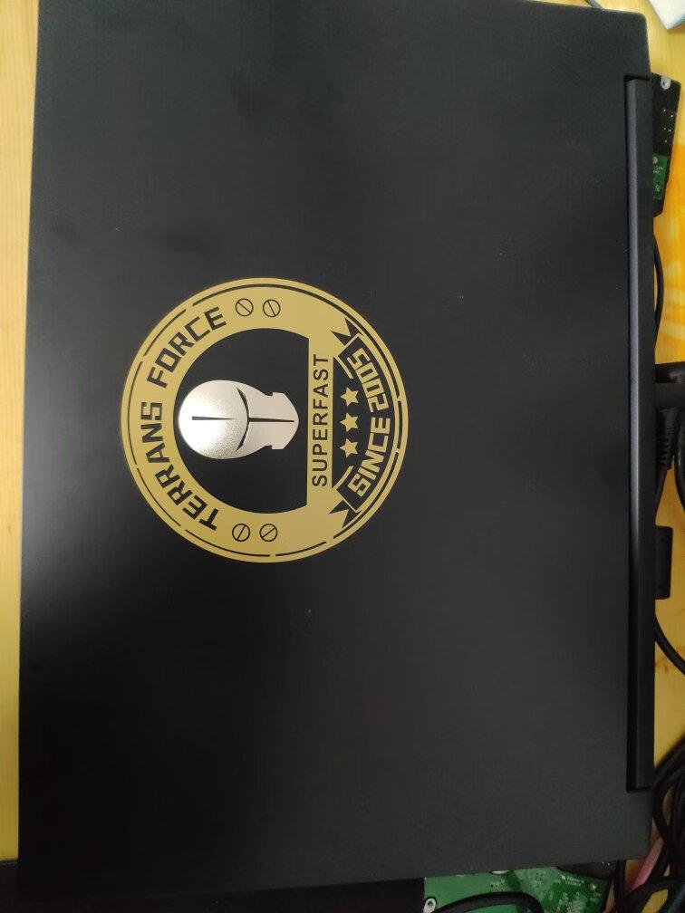 未来人类15.6英寸游戏本,R9处理器搭配2070显卡