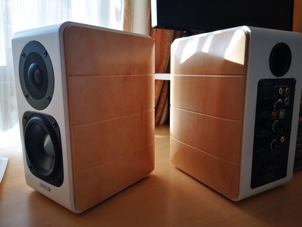 漫步者精致HIFI有源2.0音箱,时尚精致的桌面礼物