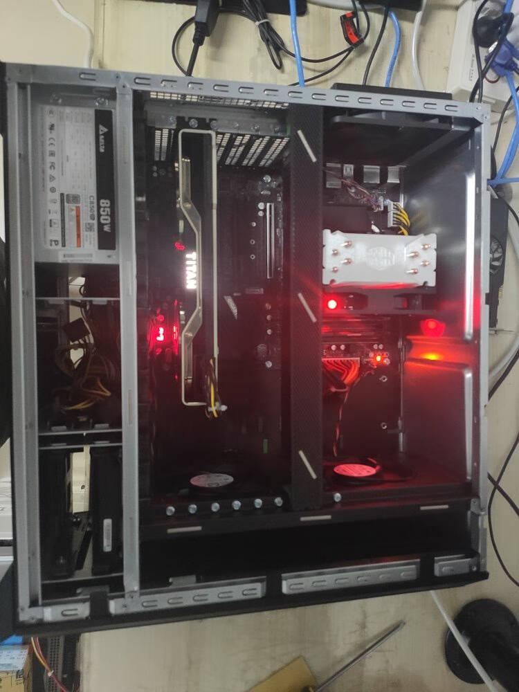 爱睿特至强W-2123/W-2140B/W-2150B双GPU显卡深度学习人工智能服务器工作站主机W-2150B/16G/250GNVIDIA309024G显卡*2