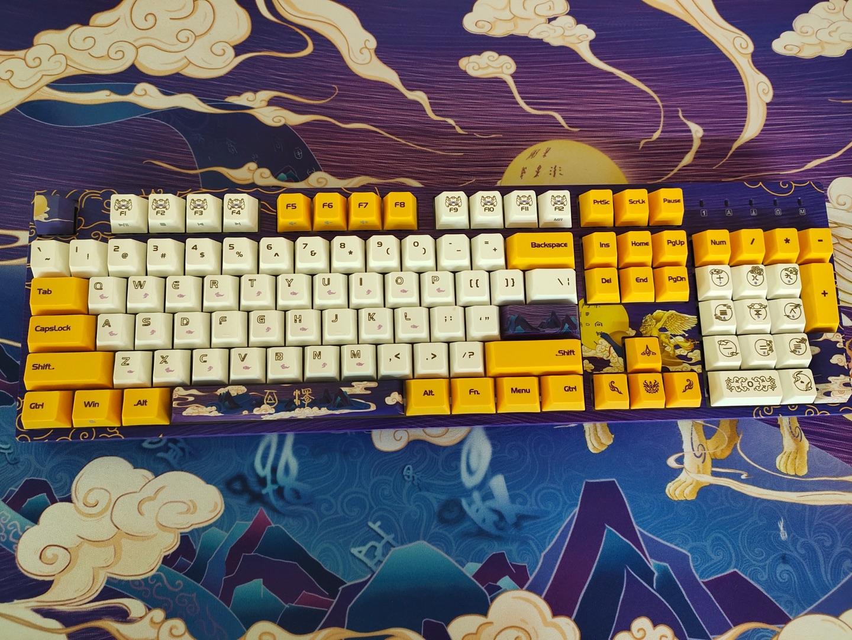 DURGOD杜伽白泽机械键盘,送男友1000元左右国潮风礼物