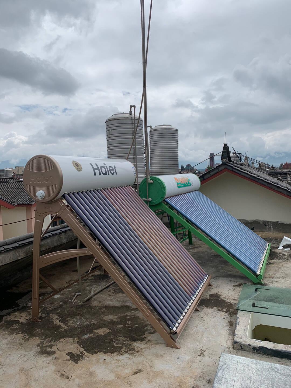 海尔(Haier)太阳能热水器家用一级能效专利聚热环定时上水自动上水智能控制器光电两用电辅助I6旗舰款18管-140升(适用3-4人)