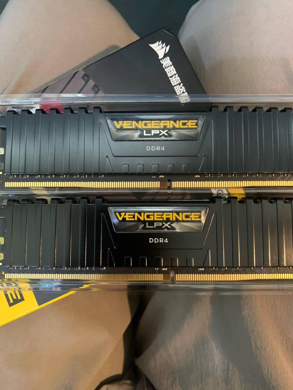 美商海盗船(USCORSAIR)DDR4360032GB(16G×2)套装台式机内存条复仇者LPX系列游戏型