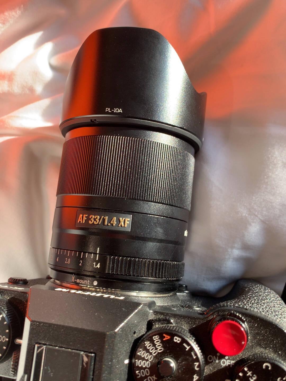 唯卓仕33MMF1.4富士X口镜头微单大光圈自动人像标准定焦镜头XT30/20/3/4/XE3全金属质感产品人像街拍