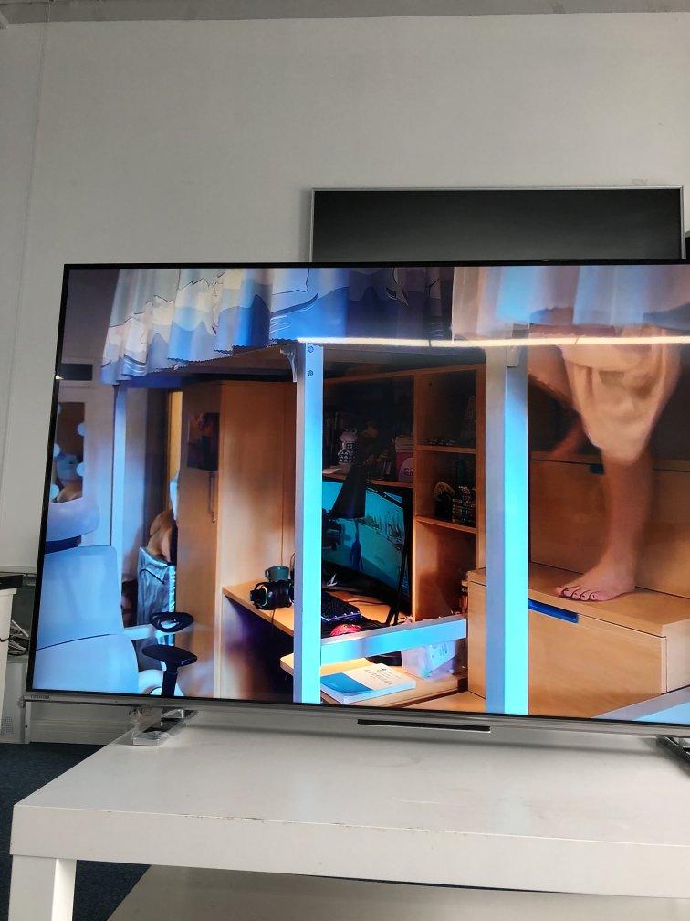 东芝55英寸全面屏电视,130%高色域火箭炮声场
