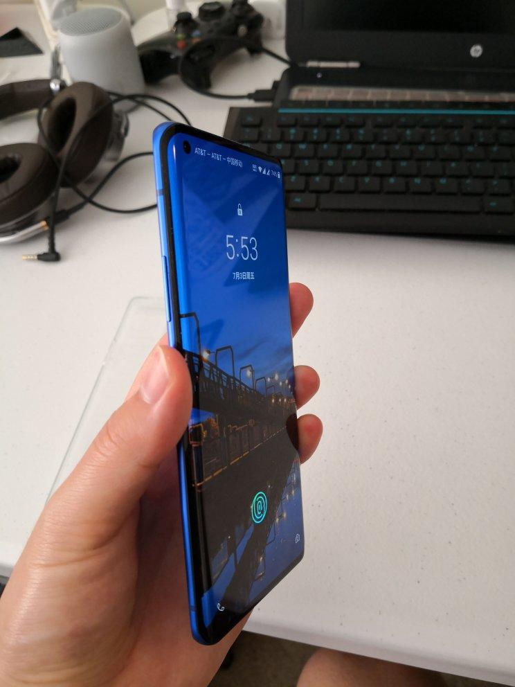 一加6.78英寸大屏5G旗舰手机,带来非常优秀的屏幕