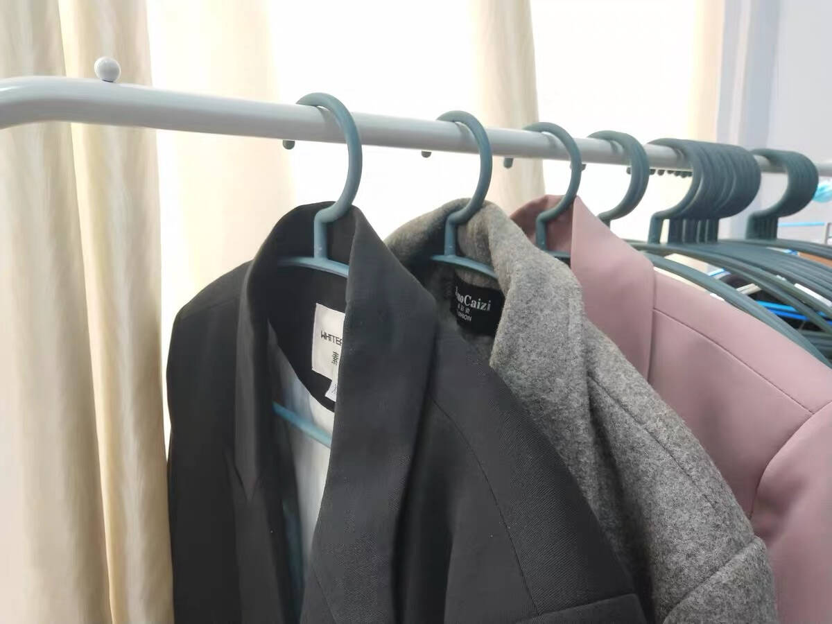 乐荔衣架塑料衣架10只装无痕晾衣架可旋转头衣服架多功能防滑干湿两用衣架子
